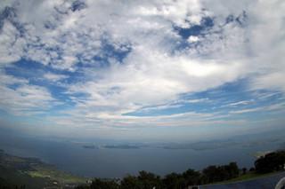 びわ湖テラスから琵琶湖と空