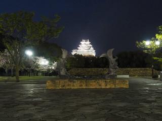 夜の散歩で姫路城
