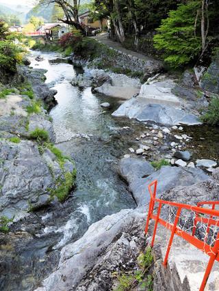 山上川の透き通る水