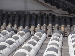 姫路城天守の屋根目地白漆喰